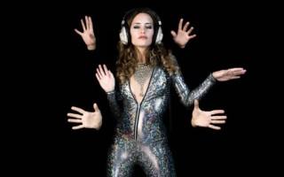 Как снять танец руками в Тик Ток в 2021 году: обучение, тренды